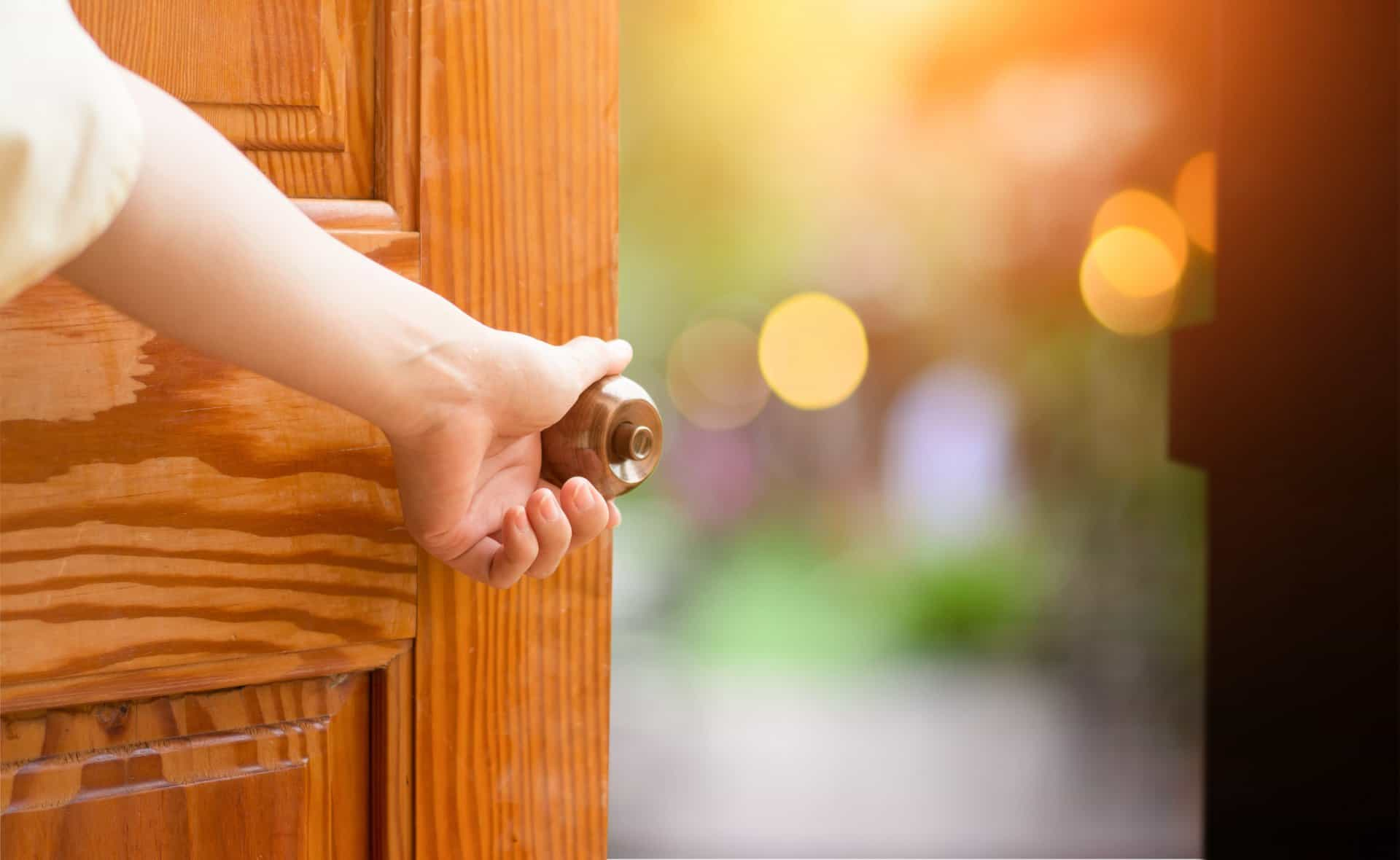 Die Tür öffnet sich!